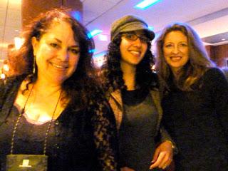 Julie, Gigi, Sophie B'Con - webres